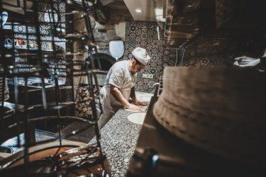 【経験談】飲食店にブラックすぎる企業が多い4つの理由と見分け方